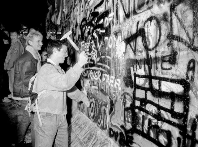 Πτώση του Τείχους του Βερολίνου: Μια ιστορική επέτειος   tanea.gr