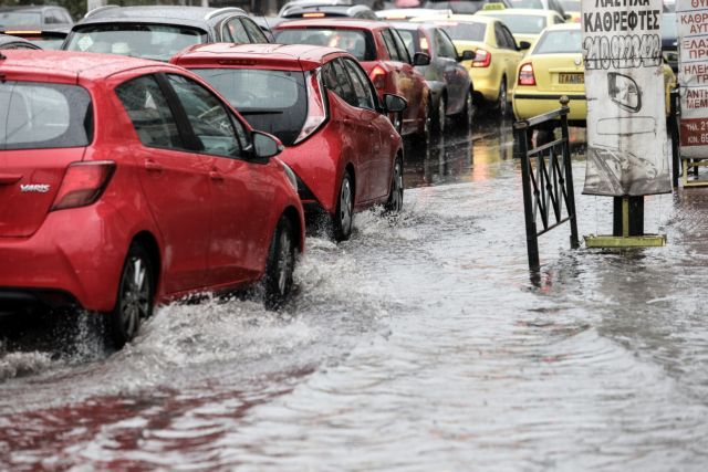 Κυκλοφοριακό χάος στους δρόμους της Αττικής – Πού υπάρχουν προβλήματα | tanea.gr