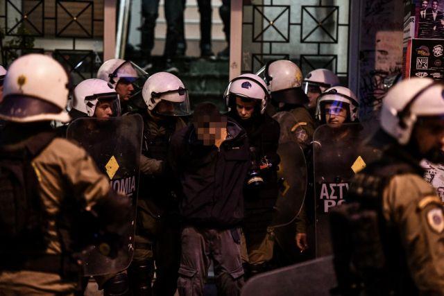 Ποινικές διώξεις στους συλληφθέντες για τα χθεσινά επεισόδια στα Εξάρχεια | tanea.gr