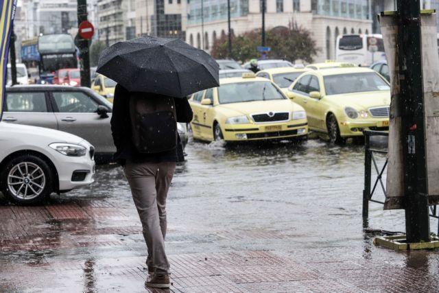 Καιρός: Επιμένει η κακοκαιρία – Βροχές και καταιγίδες τις επόμενες ώρες | tanea.gr