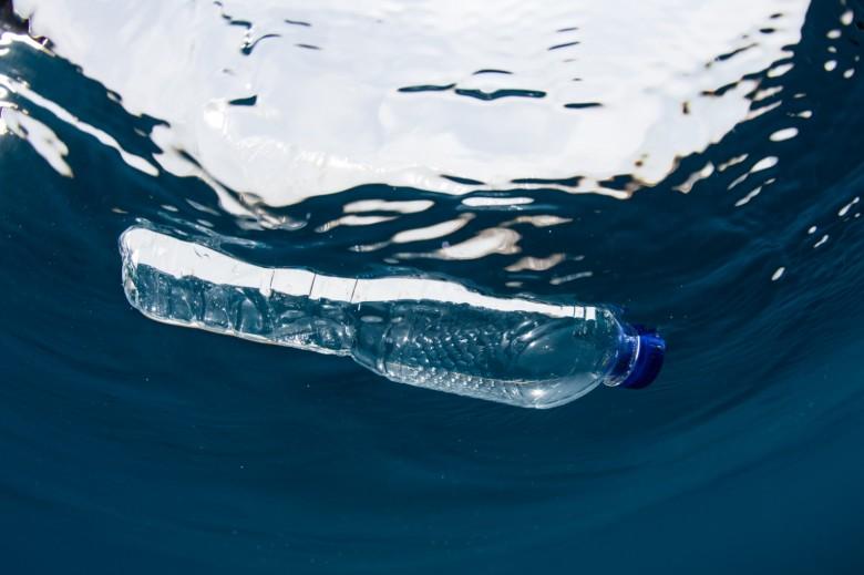 """Αποτέλεσμα εικόνας για Νέα καμπάνια για την πλαστική ρύπανση- """"Μη μένεις θεατής"""""""