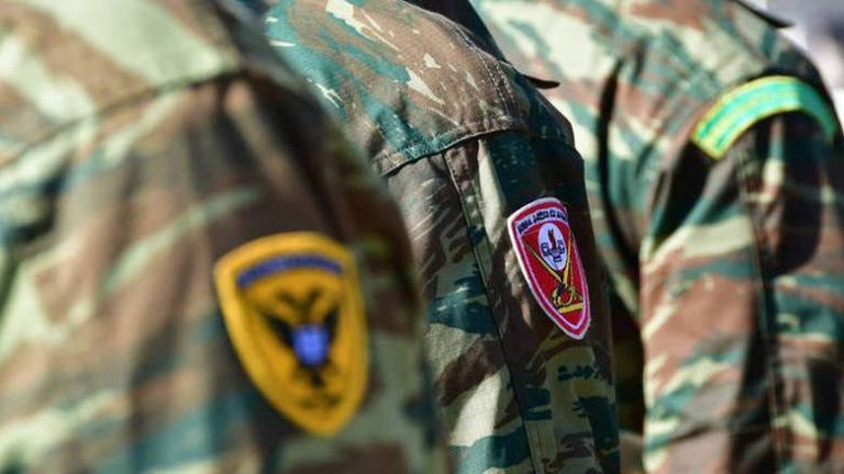 Αυξήσεις έως 100 ευρώ το μήνα πρόκειται να λάβουν 16.000 στρατιωτικοί | tanea.gr
