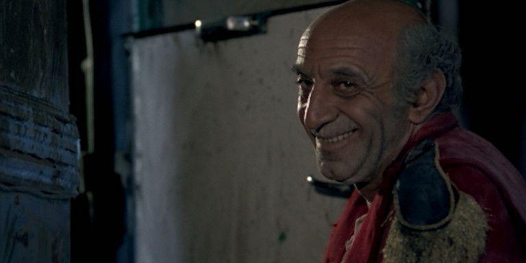 Κώστας Τσάκωνας: Ο ηθοποιός με τη φάτσα και τη φωνή του Καραγκιόζη | tanea.gr