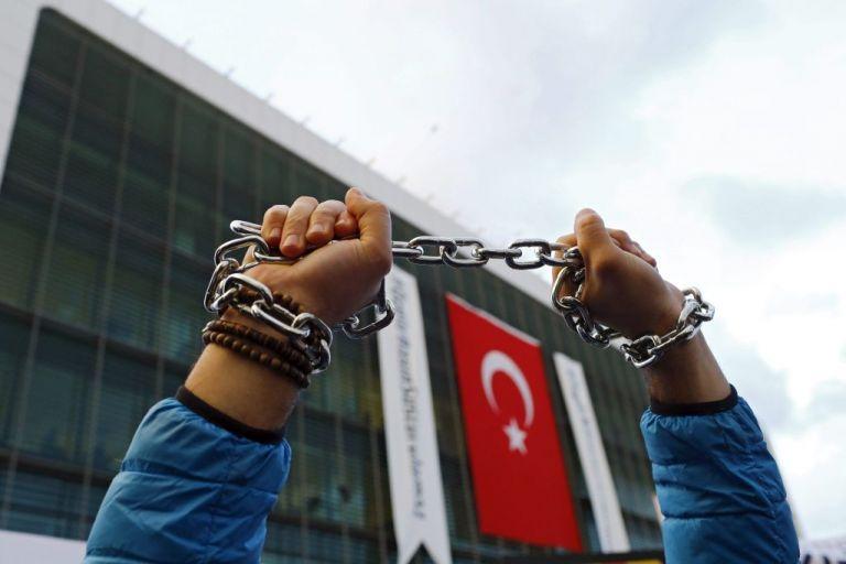 Τουρκία : Στη φυλακή ξανά ο δημοσιογράφος Αχμέντ Αλτάν | tanea.gr