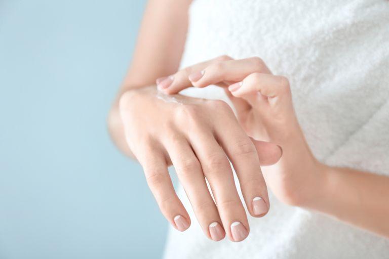 Απαλά χέρια στο λεπτό με το δικό σας απολεπιστικό | tanea.gr