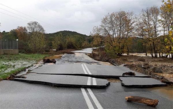 Σε κατάσταση έκτακτης ανάγκης Καβάλα και Θάσος - Κινδύνευσαν ζωές στη Χαλκιδική | tanea.gr