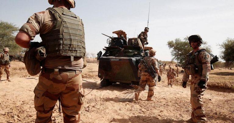 Μάλι : Δεκατρείς νεκροί γάλλοι στρατιωτικοί μετά από πτώση ελικοπτέρων   tanea.gr