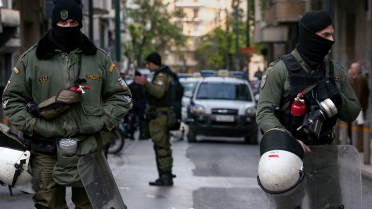 Εξάρχεια : Πέντε συλλήψεις για ναρκωτικά | tanea.gr