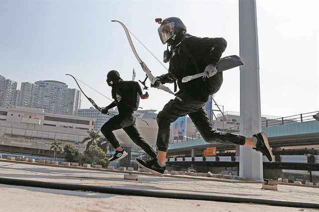 Το Πεκίνο ετοιμάζει στρατό και αληθινές σφαίρες | tanea.gr