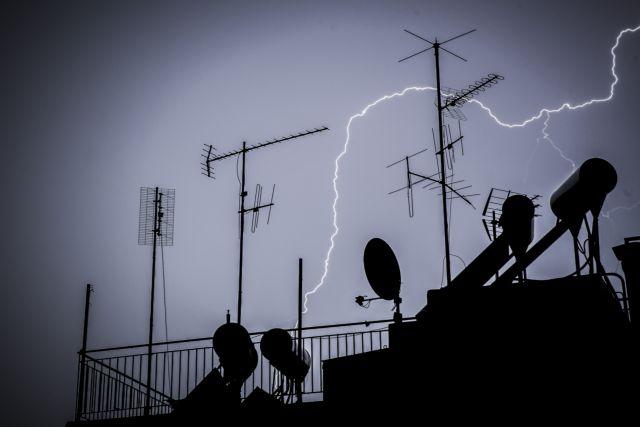 Εντονη καταιγίδα έπληξε την Αττική τα ξημερώματα της Παρασκευής | tanea.gr
