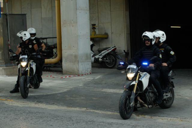 Τροχαίο με αστυνομικούς της ΔΙΑΣ στην Αρτέμιδα | tanea.gr