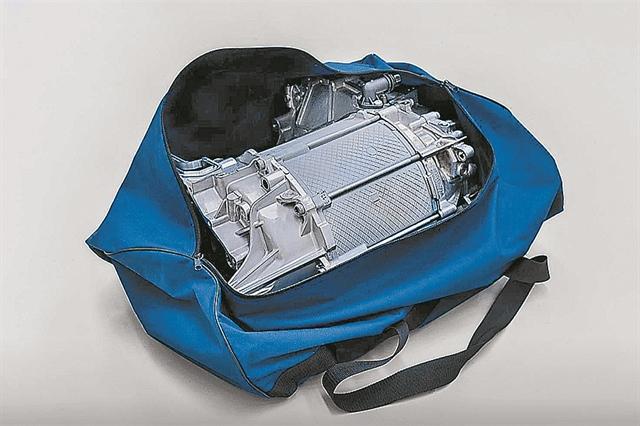 Ο ηλεκτροκινητήρας της VW χωράει σε μια τσάντα | tanea.gr