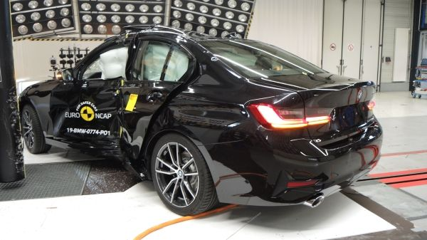 Με πέντε αστέρια στην ασφάλεια η νέα BMW 3 | tanea.gr