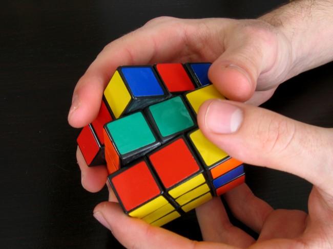 Ο τρόπος να λύσεις τον κύβο του Ρούμπικ μέσα σε ένα λεπτό   tanea.gr