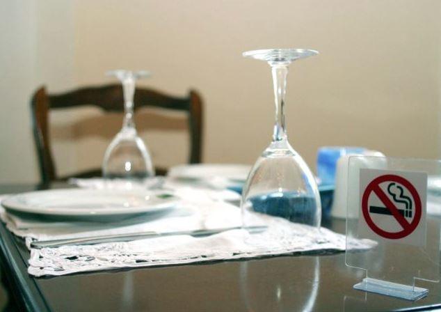 Αντικαπνιστικός νόμος : Γεγονός τα πρώτα πρόστιμα για τσιγάρο | tanea.gr