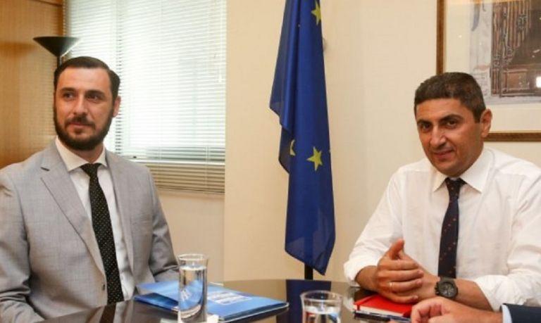 Αυγενάκης: Δεν μπορούμε να μένουμε στις απαγορεύσεις, θέλουμε μετακινήσεις φιλάθλων | tanea.gr