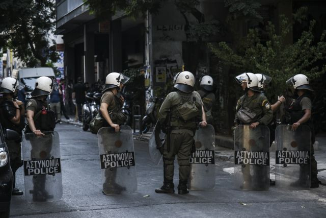 Σε εξέλιξη αστυνομική επιχείρηση στα Εξάρχεια | tanea.gr