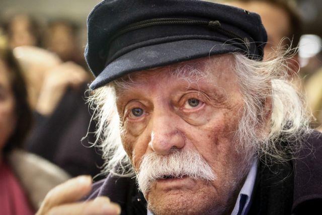Μανώλης Γλέζος : Παραμένει σοβαρή η κατάσταση της υγείας του | tanea.gr