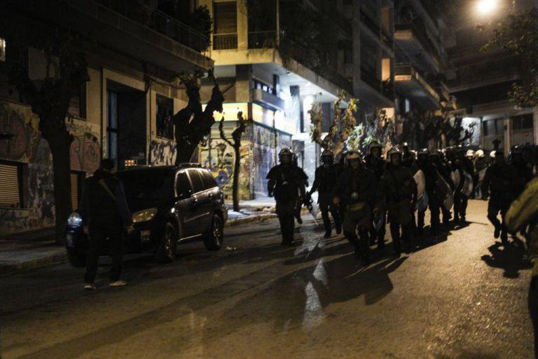 Αδιανόητη βία: Αστυνομικοί βασάνισαν 18χρονο φοιτητή | tanea.gr