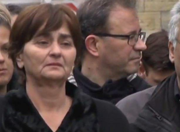 Δολοφονία Τοπαλούδη: Ξεσπά η μάνα, «την έστειλα για σπουδές μου την έφεραν σκοτωμένη» | tanea.gr