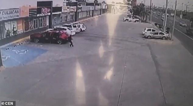 Η άγρια δολοφονία του αστυνομικού που συνέλαβε τον γιο του Ελ Τσάπο – 155 σφαίρες στο κορμί του   tanea.gr