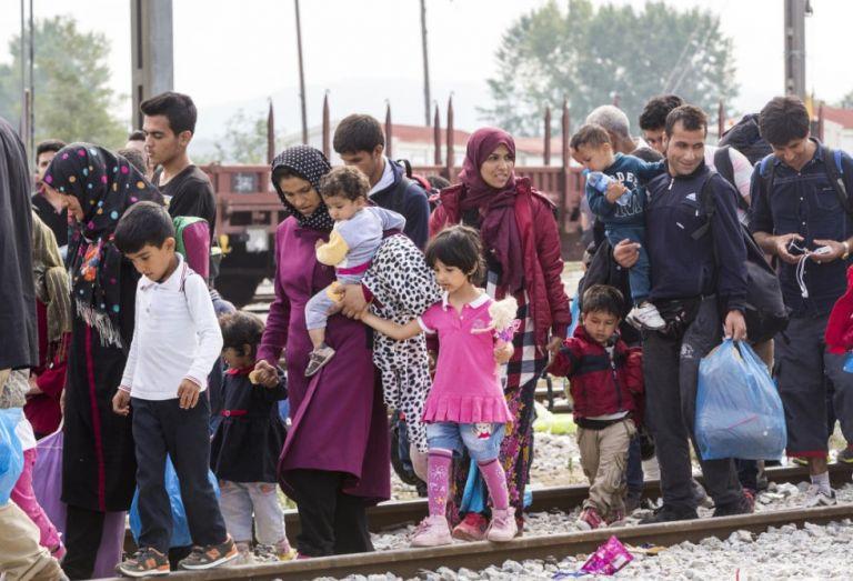 Πρόσφυγες : Κρίσιμη σύσκεψη στο Μαξίμου για την κατανομή στην ενδοχώρα | tanea.gr