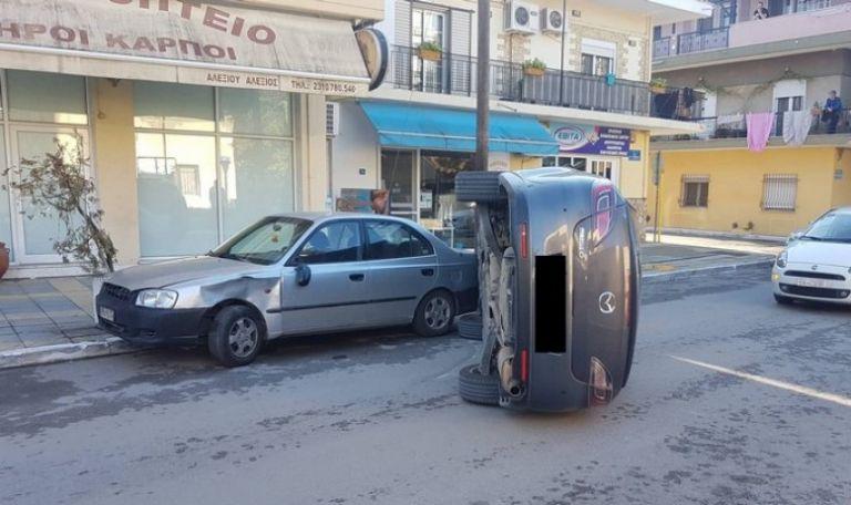 Θεσσαλονίκη : Απίστευτο τροχαίο με ανατροπή οχήματος | tanea.gr