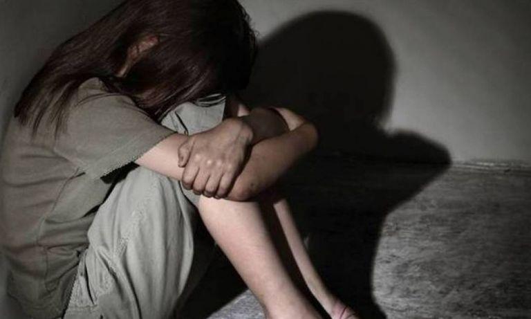 Φρίκη : Δάσκαλοι βίαζαν τυφλή μαθήτρια   tanea.gr