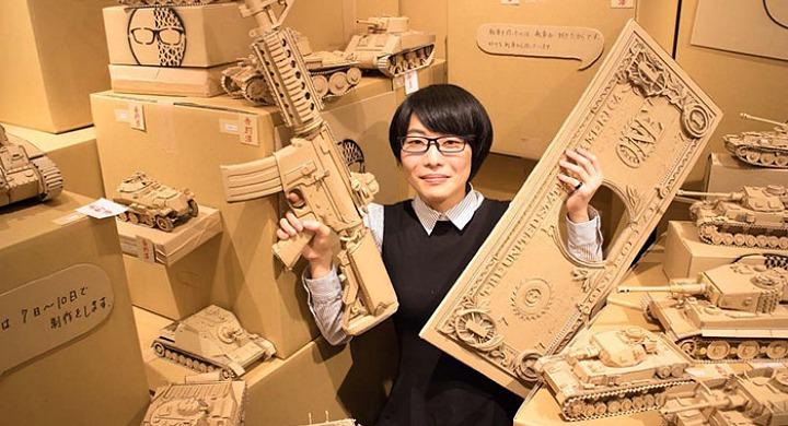 Μία Γιαπωνέζα μεταμορφώνει χαρτόκουτα της Amazon σε απίθανα γλυπτά | tanea.gr
