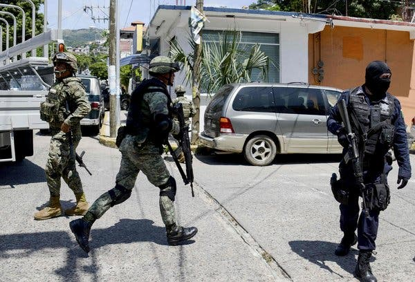 Μεξικό : Αιματηρή συμπλοκή αστυνομικών με μέλη καρτέλ ναρκωτικών | tanea.gr