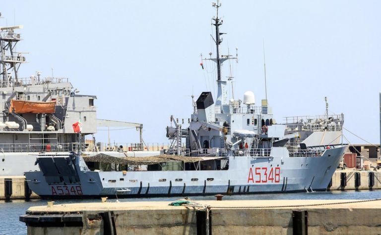 Οι δυνάμεις του στρατάρχη Χάφταρ κατέλαβαν πλοίο με Τούρκους για να εξακριβώσουν το φορτίο του | tanea.gr