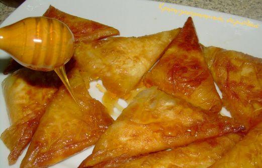 Μυζηθροπιτες ή μυζηθροπιτάκια με μέλι   tanea.gr
