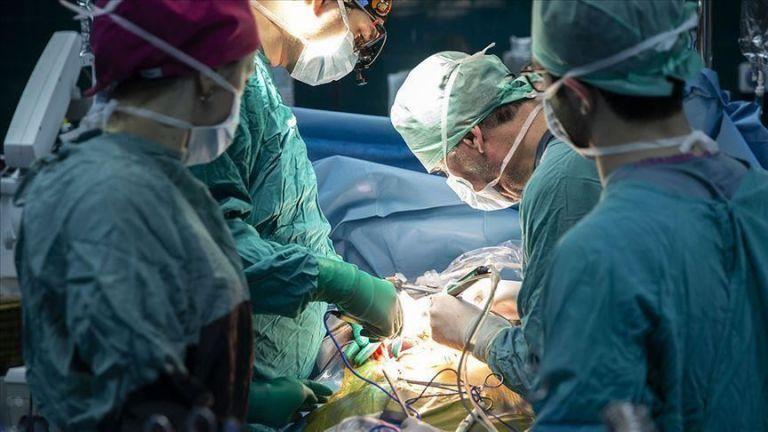 Σπάνια μεταμόσχευση όρχεως: Ελαβε μόσχευμα από τον δίδυμο αδελφό του | tanea.gr
