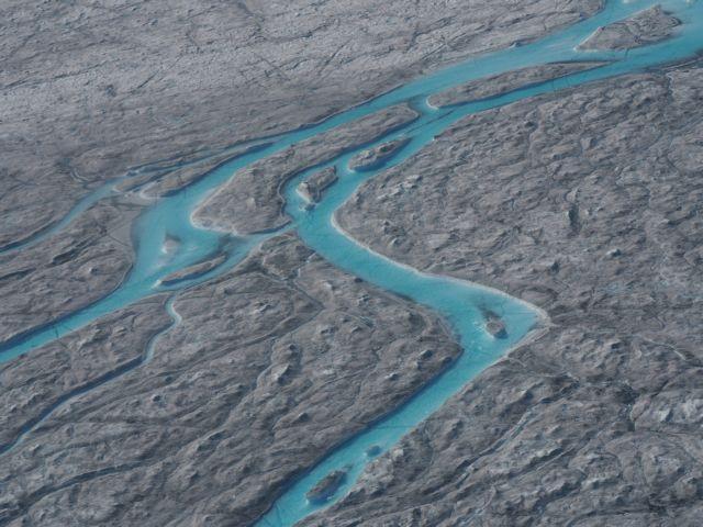 Απίστευτο βίντεο: Τεράστια λίμνη εξαφανίζεται μέσα σε λίγες ώρες | tanea.gr