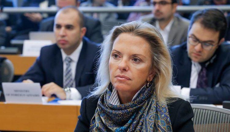Βόζεμπεργκ: Ζητεί δράση από την Κομισιόν για την αποσυμφόρηση των νησιών | tanea.gr