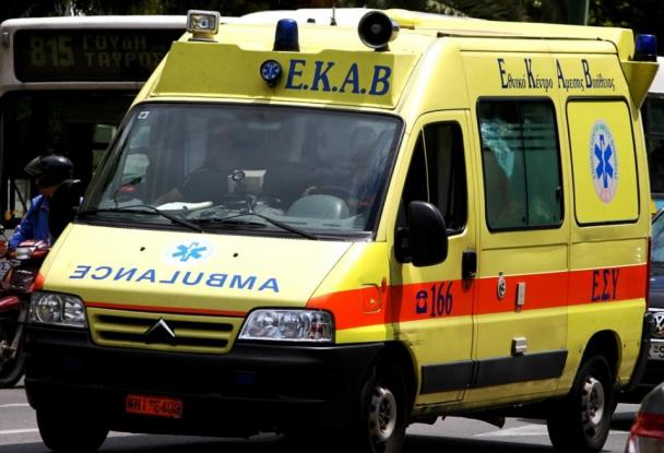 Τραγωδία στο Περιστέρι : Νεκρό αγοράκι 2,5 ετών που κλείστηκε σε μπαούλο   tanea.gr