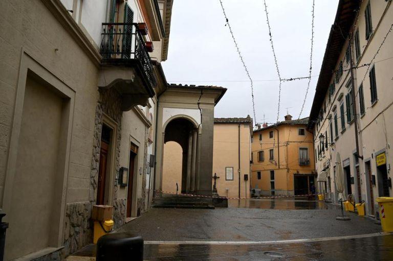 Σεισμός στην Ιταλία : Ρωγμές σε κτίρια – Πάνω από 40 μετασεισμοί | tanea.gr