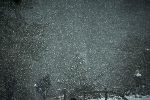 Κακοκαιρία «Ζηνοβία»: Στο σκοτάδι η Ιπποκράτειος Πολιτεία | tanea.gr