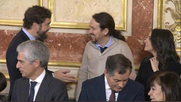 Αντιδράσεις για τη φιλική κουβεντούλα του Πάμπλο Ιγκλέσιας με βουλευτή του Vox | tanea.gr