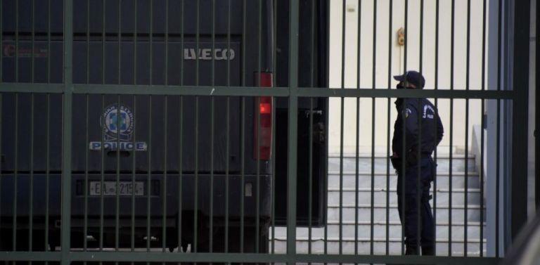 Φυλακές Αυλώνα: Νεαρός κρατούμενος στο χειρουργείο με τραύματα στο κεφάλι   tanea.gr