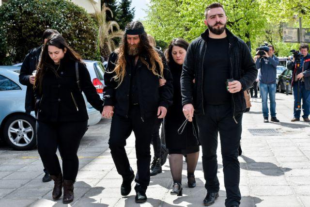 Μητέρα Γιακουμάκη : Να πληρώσουν οι ένοχοι | tanea.gr