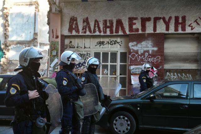 Νέα περιστατικά ωμής βίας από αστυνομικούς στην τριπλή επιχείρηση στο Κουκάκι | tanea.gr