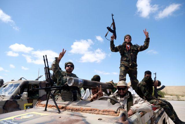 Αίγυπτος : Ο Σίσι στέλνει στρατιωτική βοήθεια στον Χαφτάρ   tanea.gr