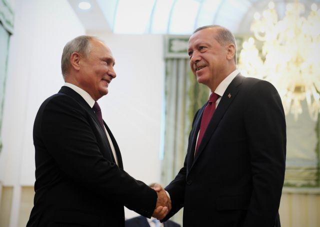 Bloomberg : Η Τουρκία απομακρύνεται από το ΝΑΤΟ | tanea.gr