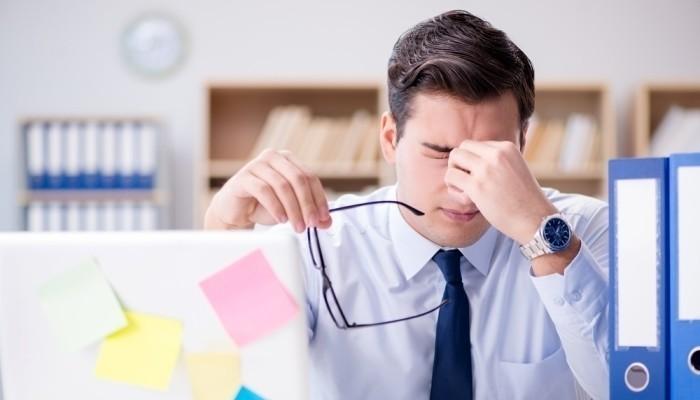 Η πολύωρη δουλειά σε γραφείο προκαλεί υπέρταση | tanea.gr