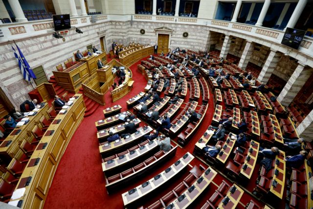 Φορολογικό νομοσχέδιο: Πυρά της αντιπολίτευσης για τις φοροελαφρύνσεις στα... βαριά πορτοφόλια   tanea.gr