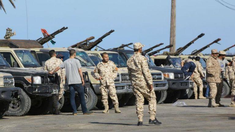 Προελαύνει ο Χαφτάρ : Υπό κλοιό το κέντρο της Τρίπολης και το αεροδρόμιο   tanea.gr