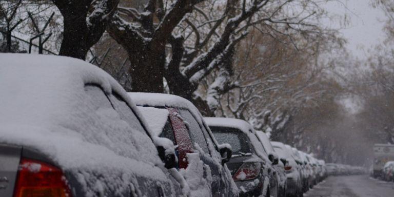 Ηφαιστίων : Έφθασε με άγριες διαθέσεις – Φέρνει χιόνια στην Αττική από το μεσημέρι   tanea.gr