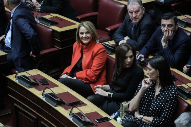 Εκλογή Προέδρου της Δημοκρατίας: Οι βουλευτίνες που έκλεψαν τις εντυπώσεις | tanea.gr