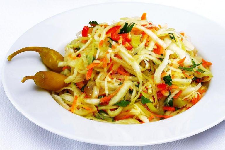 Λάχανο τουρσί και λαχανοσαλάτα από την Πόλη | tanea.gr